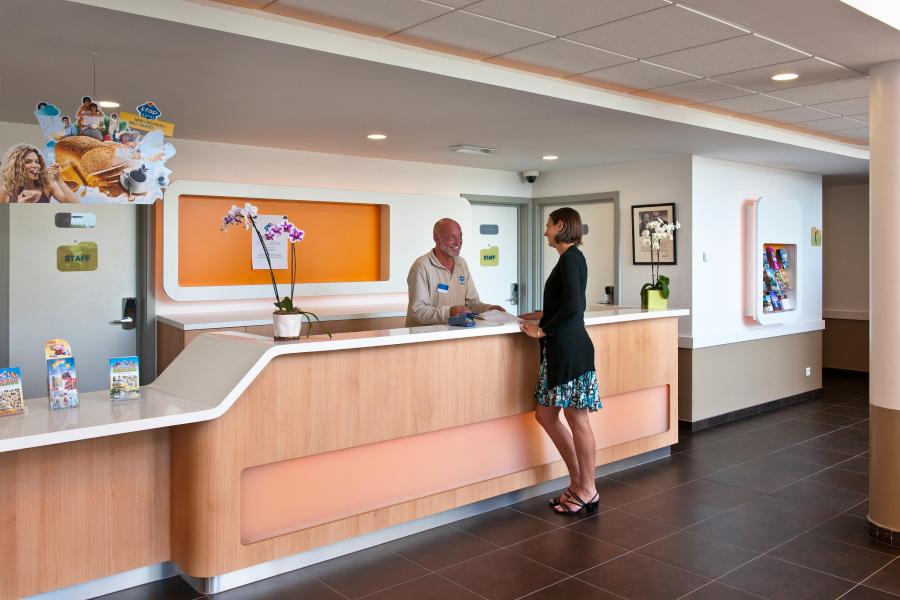 Hotel lobby needs guest feedback